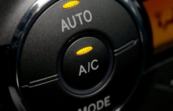 Zašto je dobro uključiti klima uređaj u automobilima ujesen i zimi