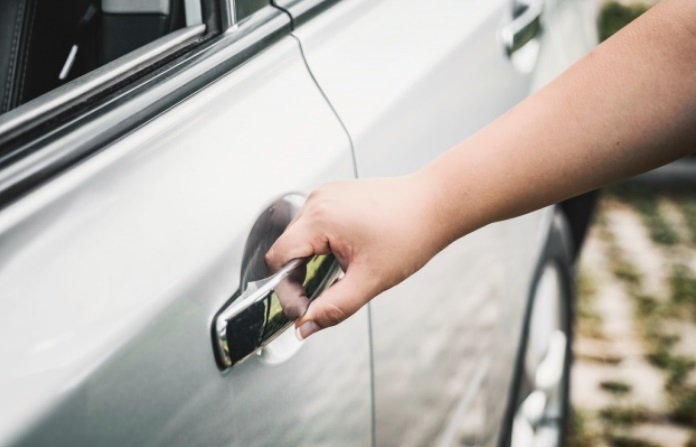 Ako jedan automobil koristi više vozača nužno ga je dezinficirati